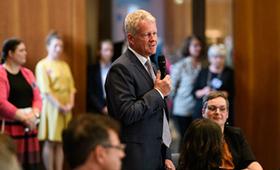 Holger Schwannecke bei der Begrüßungsansprache