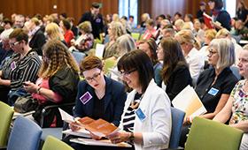 Rund 300 Teilnehmerinnen und Teilnehmer kamen ins Haus der Deutschen Wirtschaft.