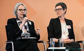 Caroline Dinsel und Frauke Gützkow auf der 2. Fachtagung der Initiative Klischeefrei