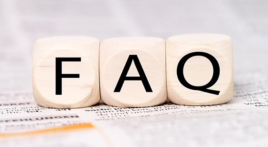 Holzwürfel mit den Buchstaben FAQ