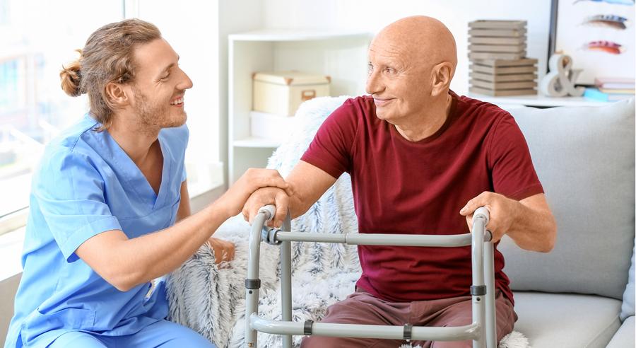 Ansehen und Beschäftigungsbedingungen in der Pflege: Stimmen die Berufsbilder mit der Realität überein?