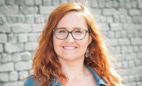 Julia Bansen, Ausbildung und Kommunikation GEBIFO