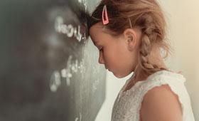 Ursache für Frauenmangel in MINT-Berufen: Mädchen unterschätzen schon ab der fünften Klasse ihre Fähigkeiten