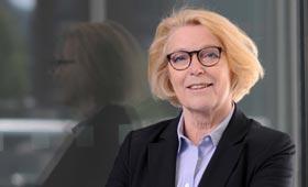 Porträt der Vorsitzenden des Deutschen Frauenrats, Mona Küppers